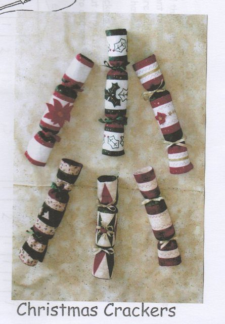 4_christmas-crackers