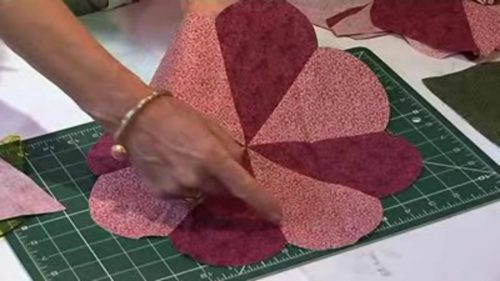 Hawaiian applique part 1 with maggie davies u2013 justhands on.tv