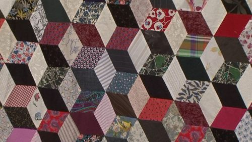 Handpiecing A Tumbling Blocks Quilt with Valerie Nesbitt