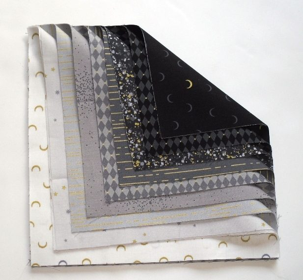 Libs Elliot Layer Cake in white,grey,black (18 squares)