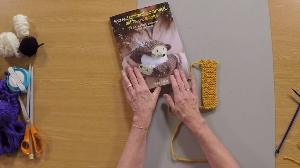 How to Knit Animal Paws with Fiona Goble