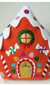 Christmas Candy Cushion pattern by Gail Penberthy
